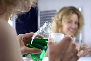 Cum să vă spălați gura cu dureri în gingii