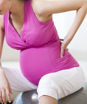 Durerea din partea stângă a femeii însărcinate