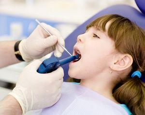 La ce vârstă se poate efectua fluoridarea?