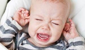 Copilul are o durere de ureche