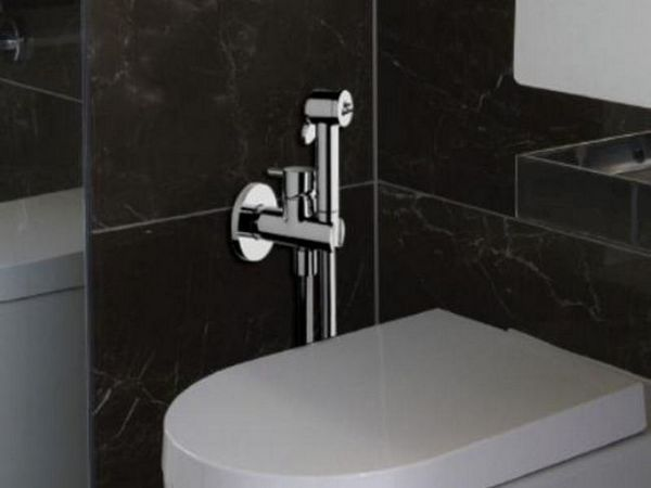Dispozitivul unei cabine de duș