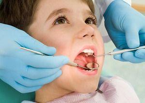 La stomatolog la recepție