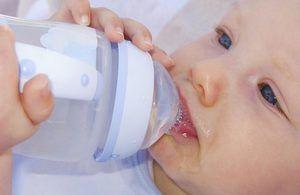Copilul nou-născut sughiț