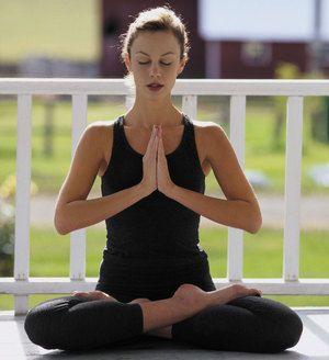 Yoga va ajuta la vindecarea problemelor cu coloana vertebrală și chiar cu o hernie