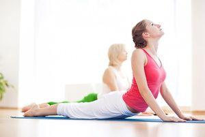 Exerciții pentru hernie - suntem angajați în yoga terapeutică