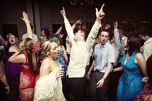 Distrează-te la nuntă