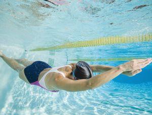 De ce visați să înotați în piscină