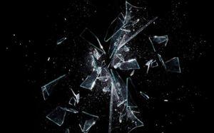 Ce înseamnă un vis de sticlă spartă? Dream Interpreter