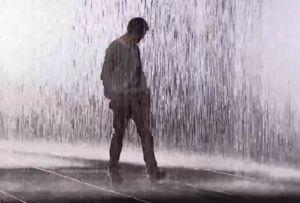 Mersul în ploaie înseamnă că vrei să scapi de negativ