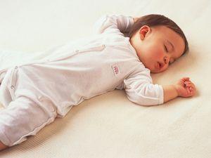 Cum să puneți copilul în pat