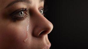 Plângând cu durere