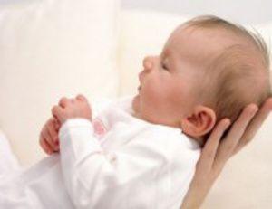 Auriculul la sân în 2 luni