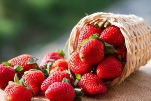 Căpșuni pentru albirea dinților
