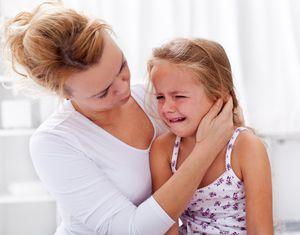 Cum de a înțelege cauza plângerii copilului