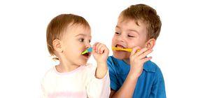 Copilul care-i peria dintii