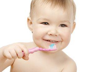 Când să începeți să vă spălați dinții