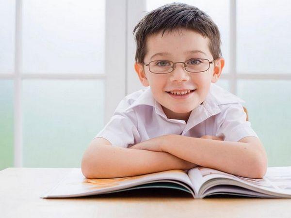 La fiecare 20 de minute de lucru pe computer sau când citiți cărți trebuie să fie intercalate cu 20 de secunde de odihnă