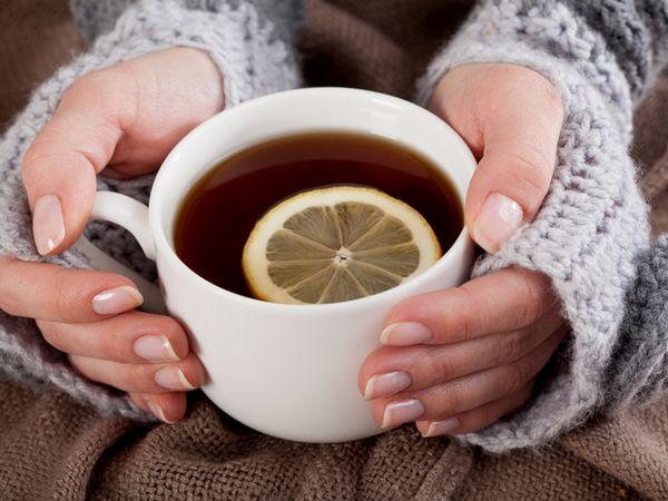 Beți ceaiuri calde și decoctări