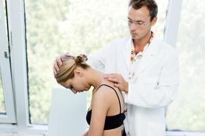 Contraindicații și beneficii ale masajului gâtului pentru osteochondroză