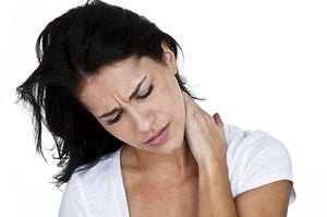 Cauze de durere acuta in gat