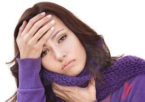 Durerea gâtului poate apărea din cauza infecției bactericide sau virale