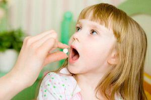 Aciclovir este indicat pentru adulți și copii