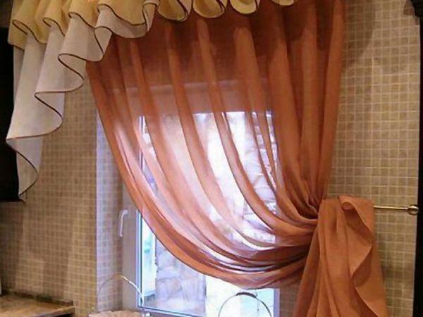 Perdele pe fereastră cu valuri