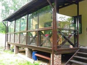 Glazura de verande sau terase în țară: vederi și nuanțe