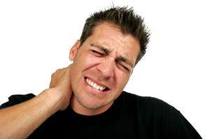 Gâtul doare la mișcări - că este posibil să se facă?