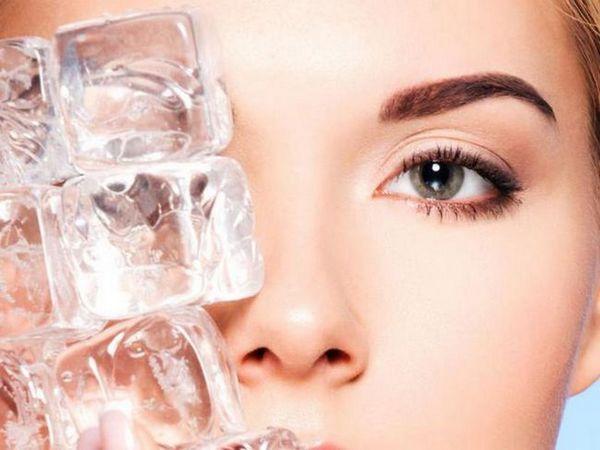 Gheața răcește și calmează un ochi inflamat