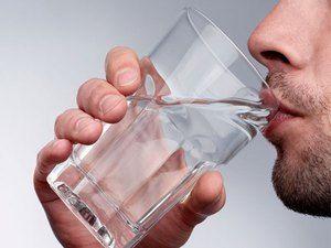 Cauzele unui miros ascuțit de urină la bărbați