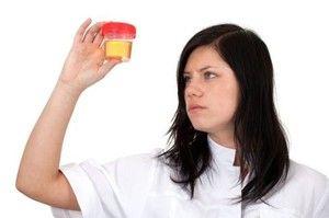 Sânge în urină a femeilor - cauze și tratamente posibile