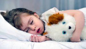 Ce trebuie făcut dacă copilul își zgârie dinții într-un vis
