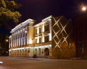 Secretele de amenajare de iluminare arhitecturală a unei fațade a clădirilor