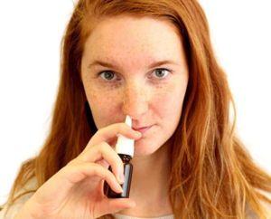 Pulverizați din umflătura și nasul curgător
