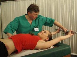 Complex de exerciții și trăsături de performanță pentru o coloană vertebrală la o hernie