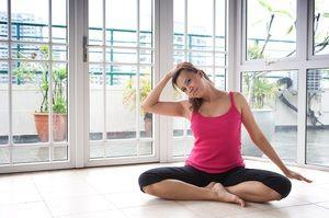 Metode de efectuare a exercițiilor pentru coloana cervicală cu hernie
