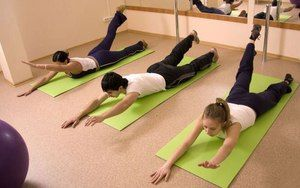 Exerciții pentru coloanei vertebrale - întărim mușchii din spate.
