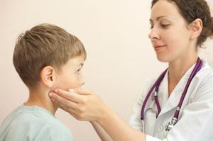 Cauzele durerii la urechi la copii și caracteristicile inflamației ganglionilor limfatici din spatele urechilor