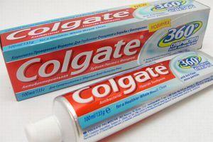 pastă de dinți